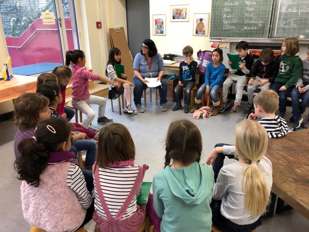 Jahrgang 2 in der Lernwerkstatt