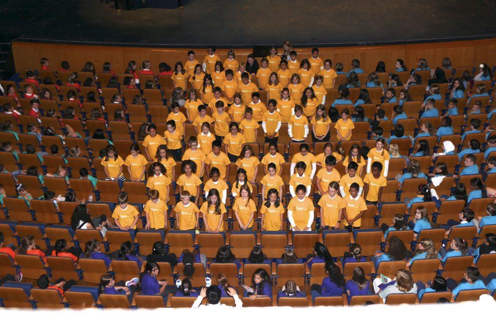 Oper sucht singende Klasse